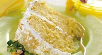 Tort Pina Colada cu ananas și cremă de cocos