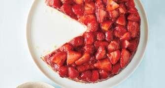 """Tort de căpșuni """"răsturnat"""""""