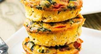 Muffins cu ouă și șuncă pentru micul dejun
