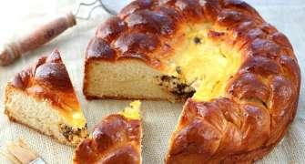Pască tradițională cu brânză și stafide