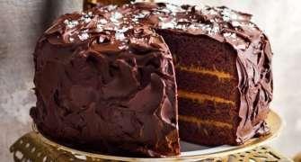 Tort De Ciocolata Si Caramel Sarat