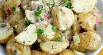 Salată bavareză cu cartofi și ouă