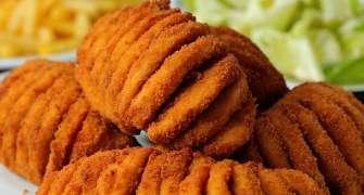 Piept de pui acordeon în crustă de pesmet