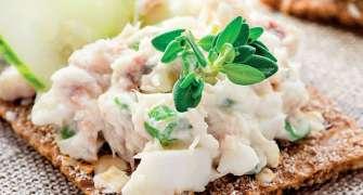 Salată cu macrou afumat