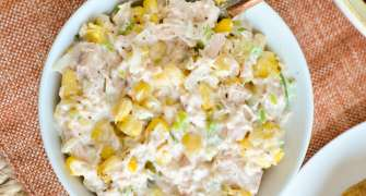 Salată de ton cu porumb și maioneză