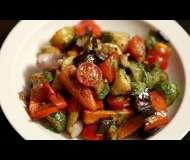 Salată de legume coapte