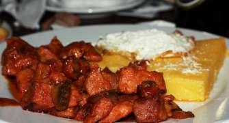 Tochitură de porc simplă și delicioasă