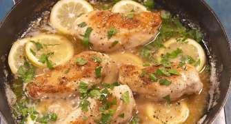 Piept de pui cu sos de lămâie și usturoi