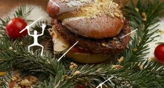 A apărut Cozoburger-ul, combinația perfectă dintre burger și cozonac și TREBUIE să-l încerci!