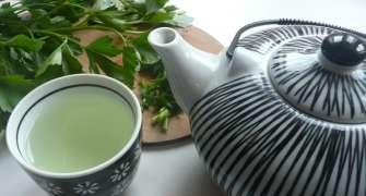 Slabeste Pana La 5 Kilograme Cu Ceaiul De Patrunjel