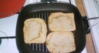 Bruschetta cu Lardo (slaninuta afumata) si usturoi