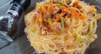 Paste Chinezesti (noodles) Cu Pui Si Legume