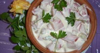 Salata de vara (rosii cu iaurt)