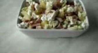 salata exotica cu ananas si carne