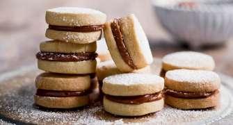 Alfajores, Biscuiti Aromati, Cu Crema De Caramel