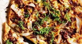 Pizza Cu Ceapa, Pere Si Nuci