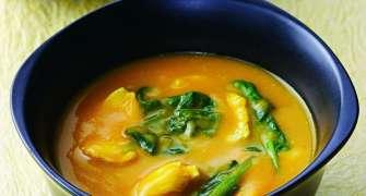 Supa De Pui Cu Dovleac Si Curry - Un Mod Inedit De A Folosi Dovleacul